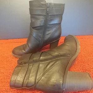 Life Stride Ankle Boot Size 8 1/2